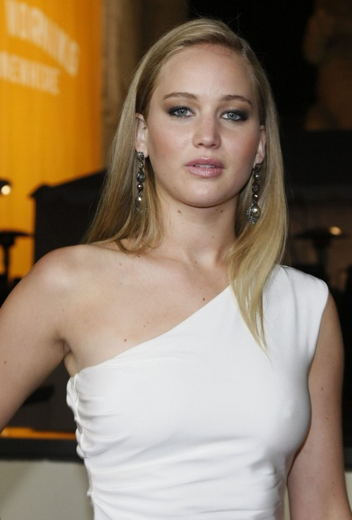 """Jennifer Lawrence Lands The Role Of Katniss In """"The Hunger Games"""" Movie"""