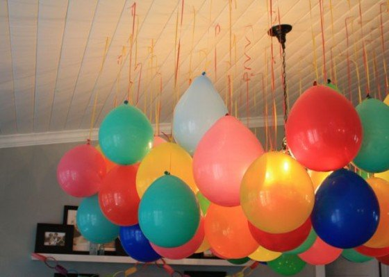upside-down-balloons-party-2