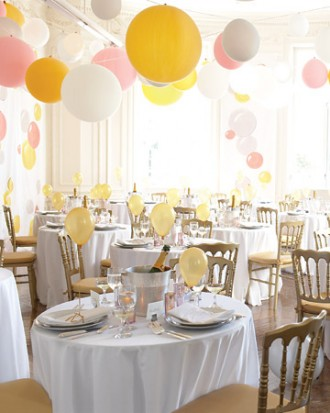 upside-down-balloons-party-3