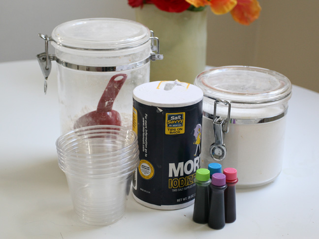 ingredients to make finger paint include flour, salt, food coloring and sugar
