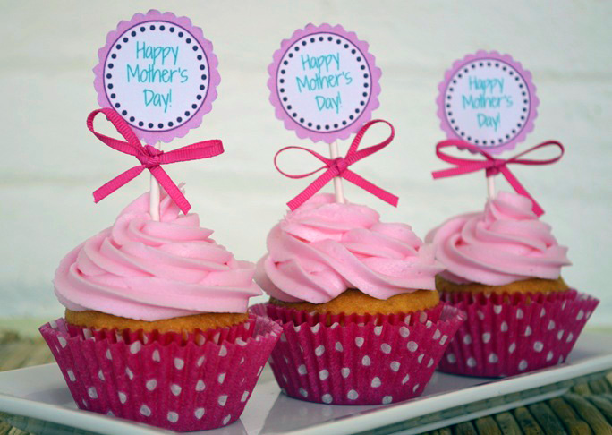 DIY Mother's Day Cupcake Toppers