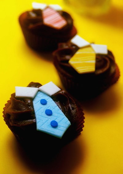Family Ties Cupcake - Father's Day