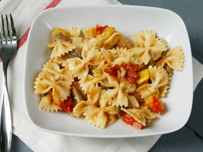 Pasta with Grilled Foil Packet Veggie Sauce Final