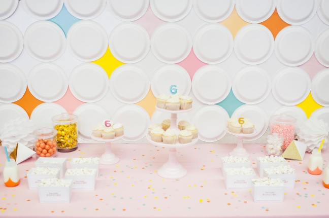 DIY Mod Diamond Paper Plate Backdrop   Shauna Younge for Momtastic