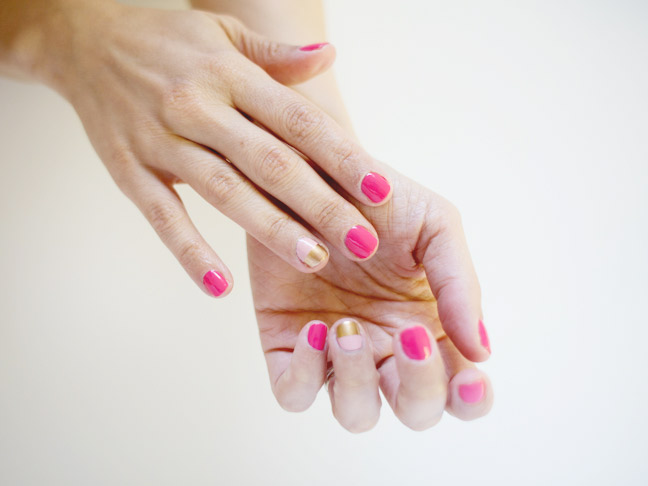 two-tone-mani-two-hands-white-background2