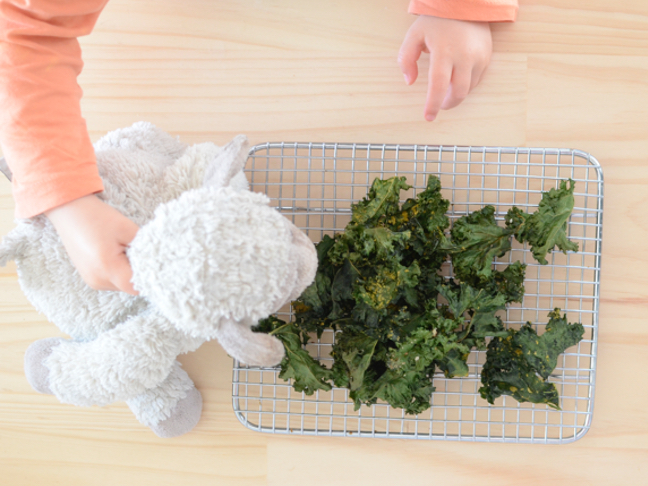 Kale-chip-recipe-mumtastic-stacey-clare