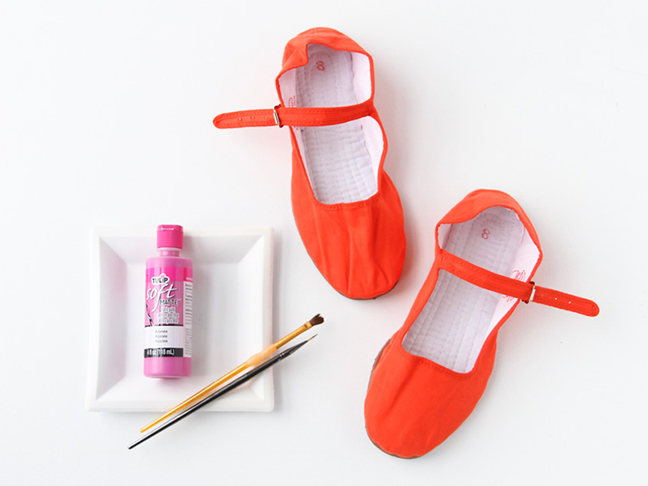 How to Paint Fabric Mary Janes