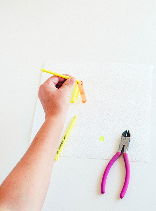 taking apart a highlighter