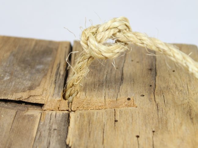 knot wood rope