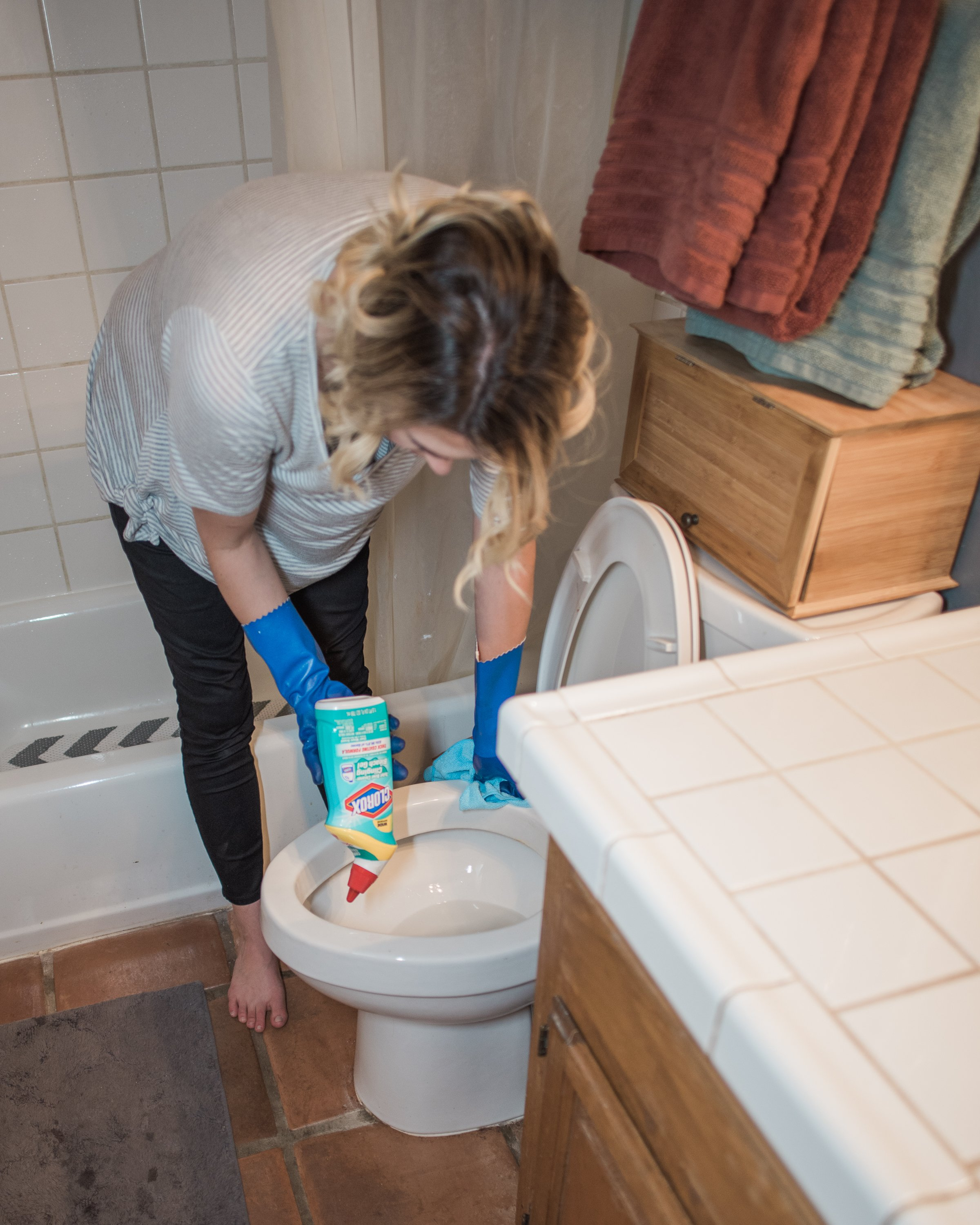 6 mistakes you're making cleaning the bathroom