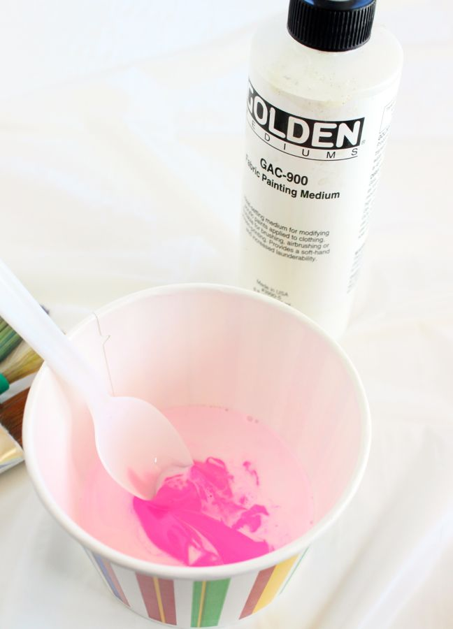 pink-paint-in-a-bowl-with-fabric-medium