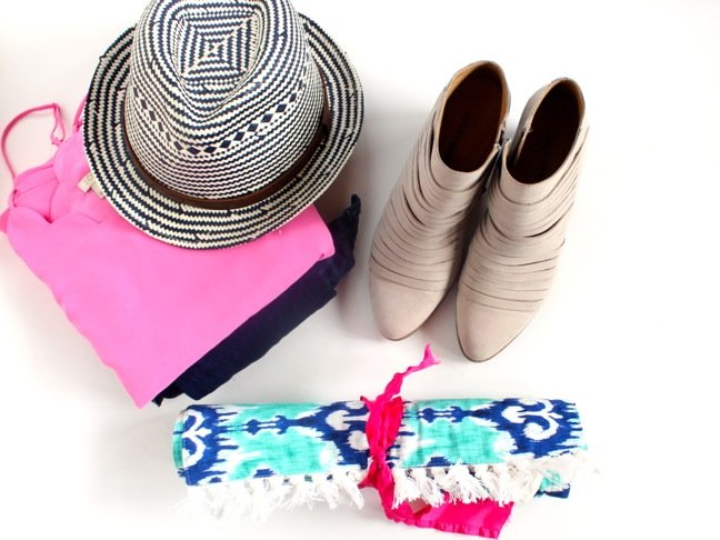 packing-photo-clothes-hat-booties-diy-travel-jewelry-case