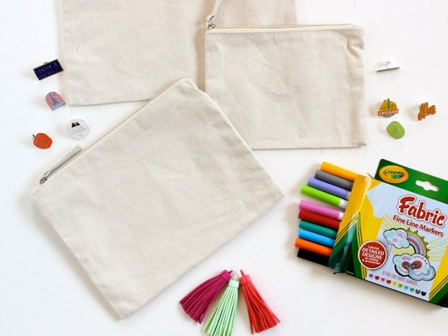canvas-bags-fabric-markers
