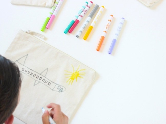 canvas-pouch-with-kid-art-and-fabric-markers