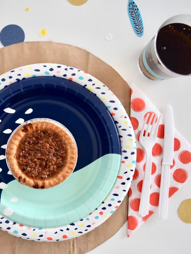 How to Host a Less Stressed Friendsgiving Feast | Shauna Younge for Momtastic