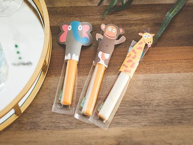 cheese-sticks-with-safari-finger-puppets