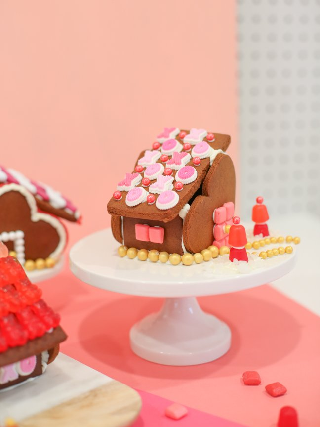 Valentine gingerbread house with XO roof