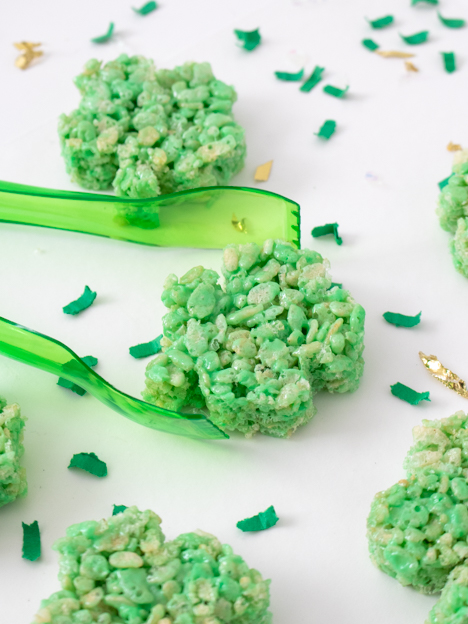 Try these Easy Clover Rice Krispie Treats for a St. Patrick's Day Snack
