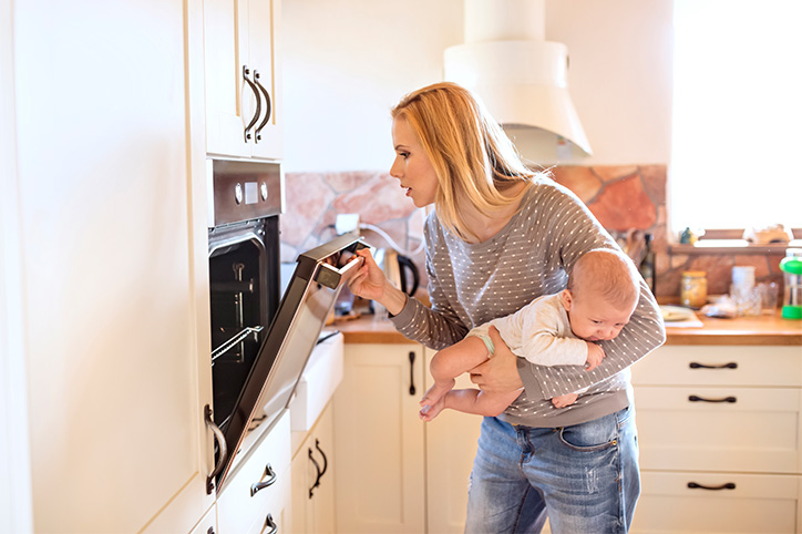 How Much Should Stay-At-Home Moms (SAHMs) Be Paid?