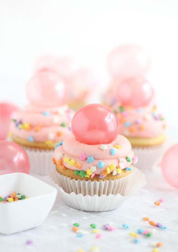 Add Gelatin Bubbles to Cupcakes